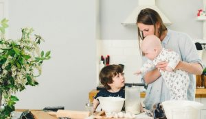 How to feed your family during postpartum. Keep everyone healthy despite being totally exhausted! Tips and tricks to easy, healthy meals that don't take a lot of time and effort.
